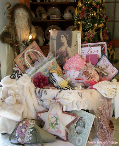 Vintage Holiday Basket 2