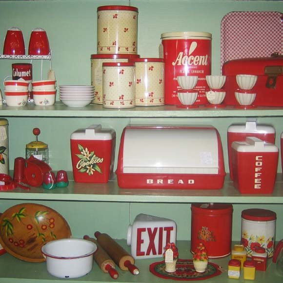 Retro kitchen pinup antiques fashion collectibles - Vintage kitchen ...