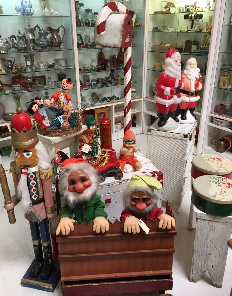 Vintage Outdoor Christmas Display
