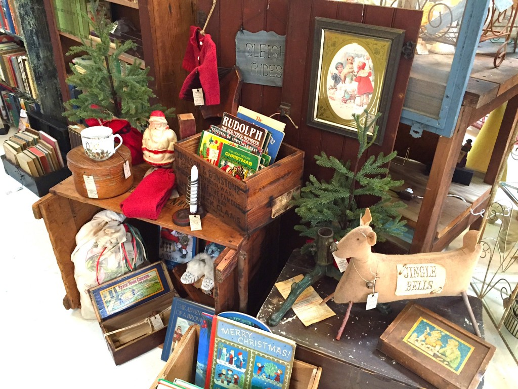 Vintage Primitive Christmas Display