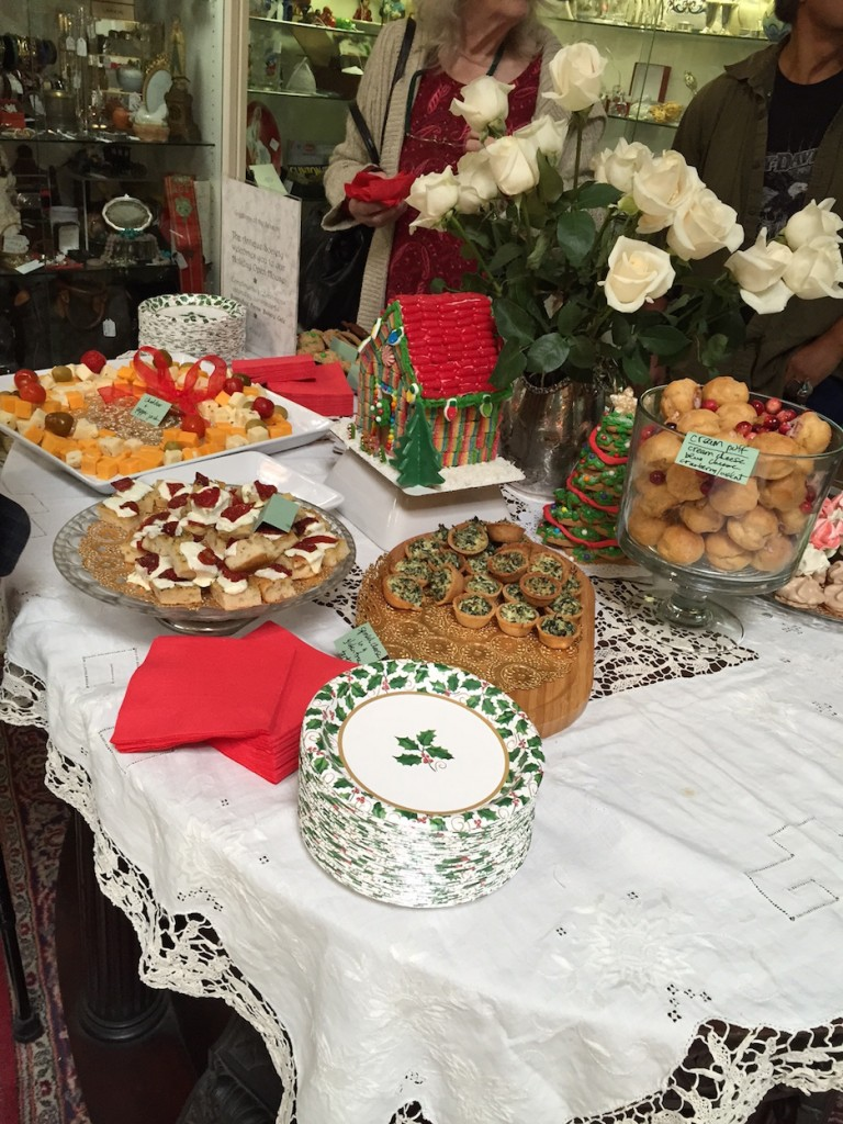 Antique Society Holiday Open House