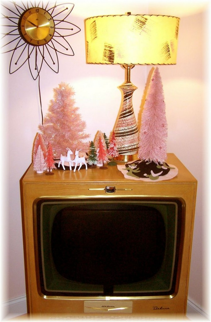 Mid-Century Modern Christmas Pink