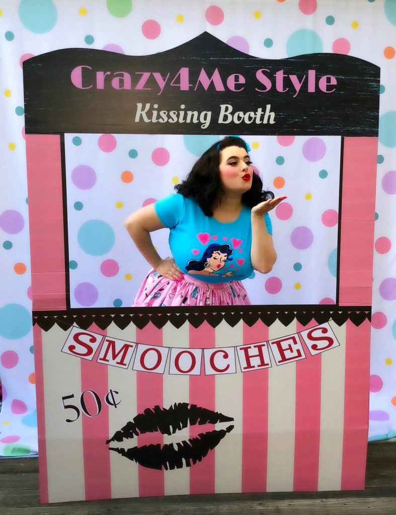 Yasmina Greco Crazy4MeStyle Valentine Vixen T-Shirt