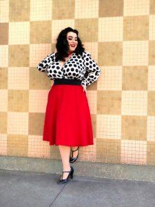 Yasmina Greco - Curvy Office Outfit