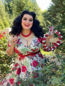 Yasmina Greco Curvy Girl Christmas Dress