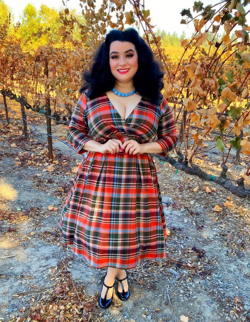 Yasmina Greco in Hell Bunny Oktober 50's Dress