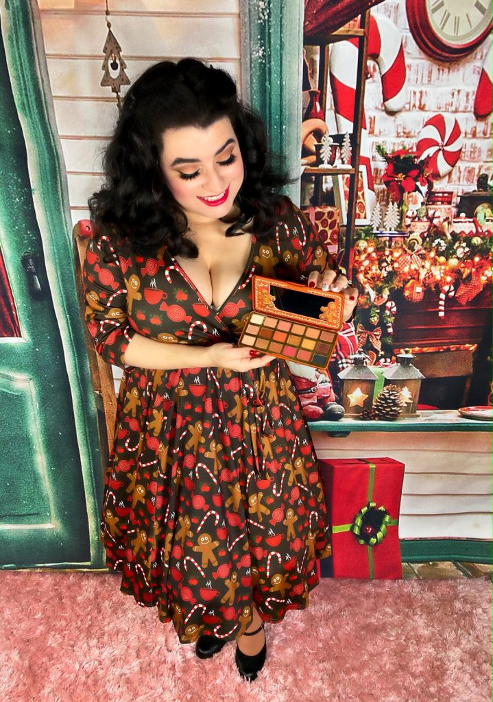 Yasmina Greco Too Faced Extra Spicy Gingerbread Eye Shadow Palette
