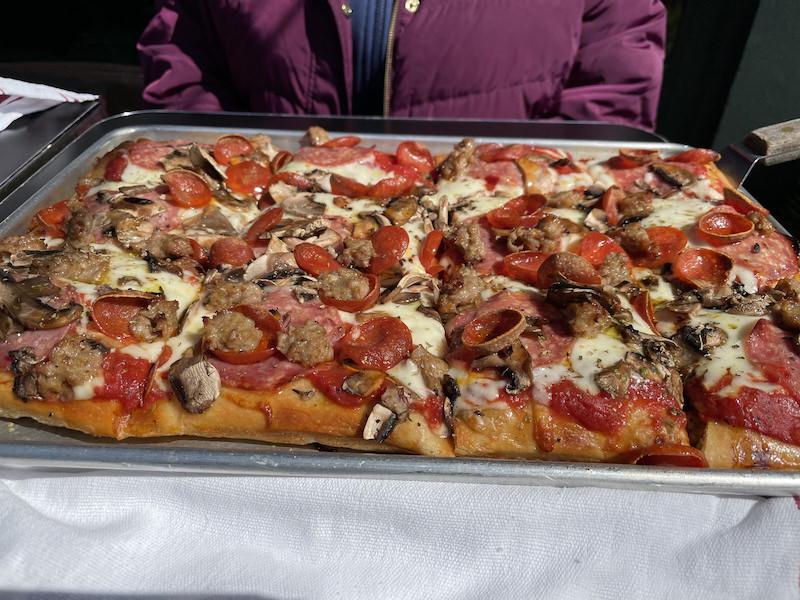 Tony's Pizza Napoletana San Francisco Fratellanza Sicilain